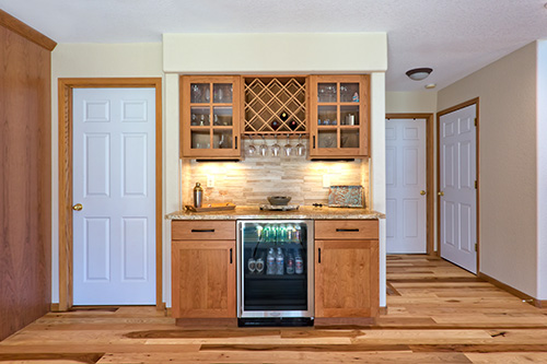 Build In Wine Cooler With Fantastic Cabinet Space