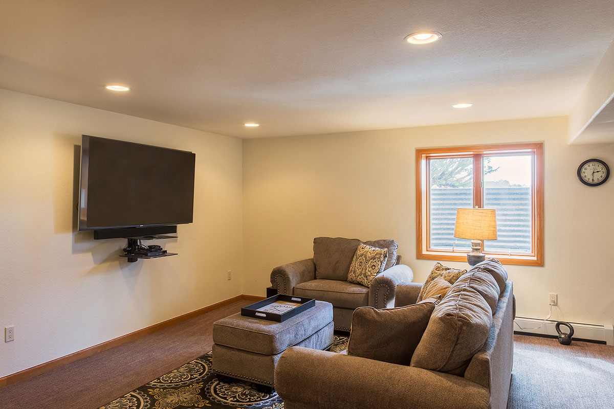 Basement finish contractor berthoud co quality renovations for Quality basement